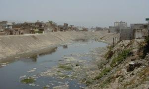 13-20030528Pakistan.JPG